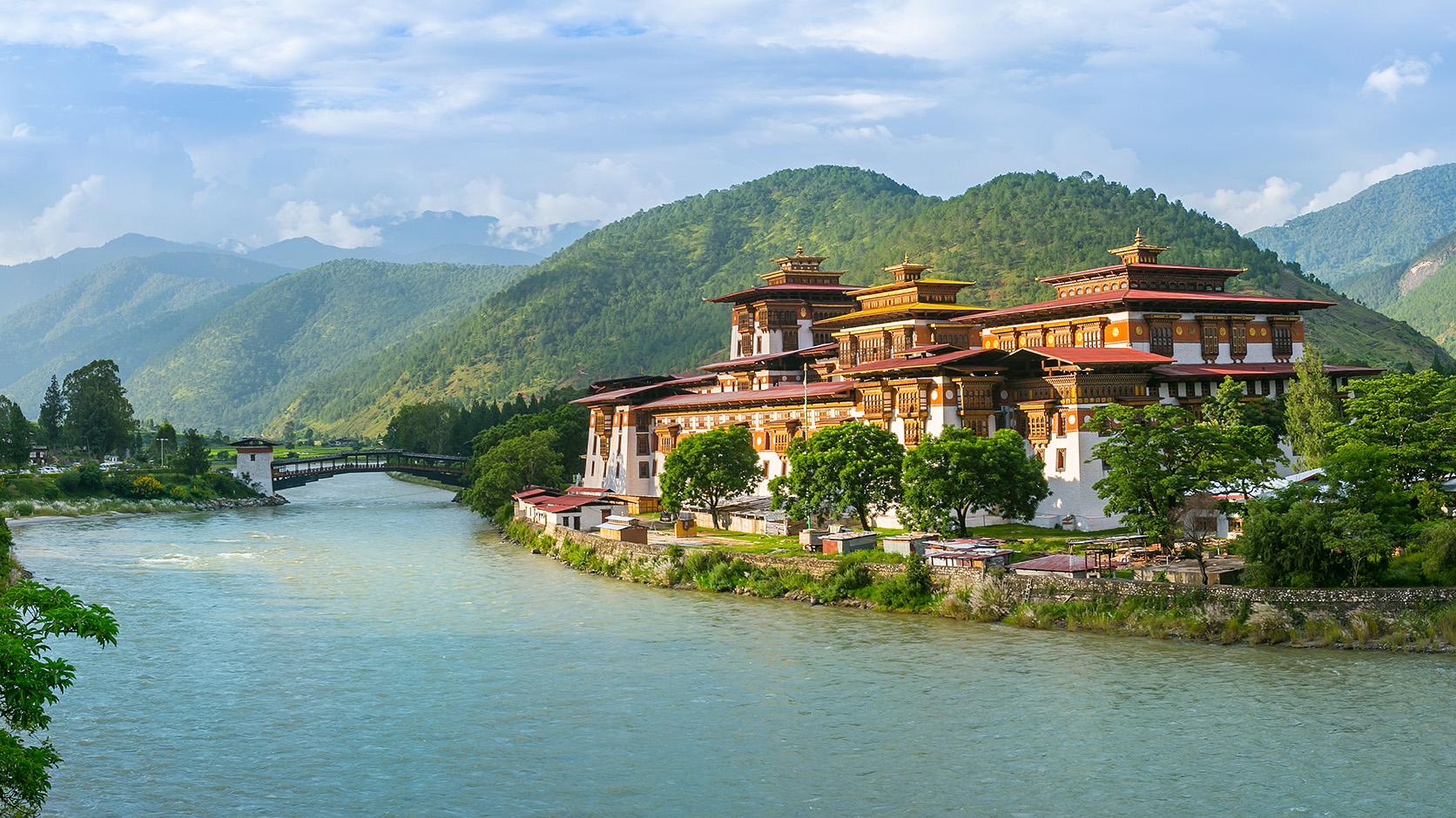 """immagine in evidenza dell'articolo """"Il """"fai da te"""" è felicità: impariamo dal Buthan!"""""""