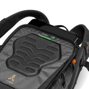 schienale con scompartimento per tablet dello zaino LowePro